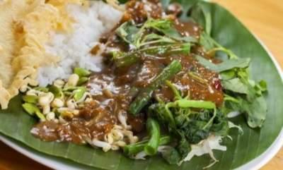 warung tempat makan nasi pecel enak di Madiun
