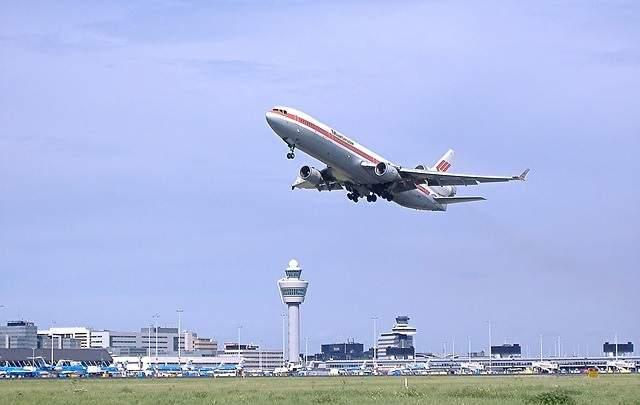 sewa mobil madiun bandara solo murah daftar harga travel madiun ke solo